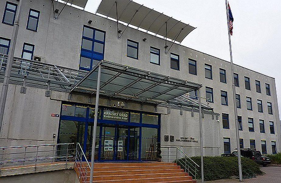 Karlovarský kraj odstoupil od smlouvy na přestavbu chebské nemocnice