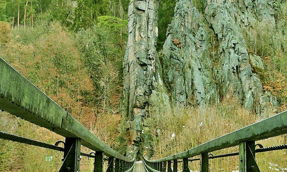 Ohři překlene ve Svatošských skalách nová lávka, stará zůstane atrakcí