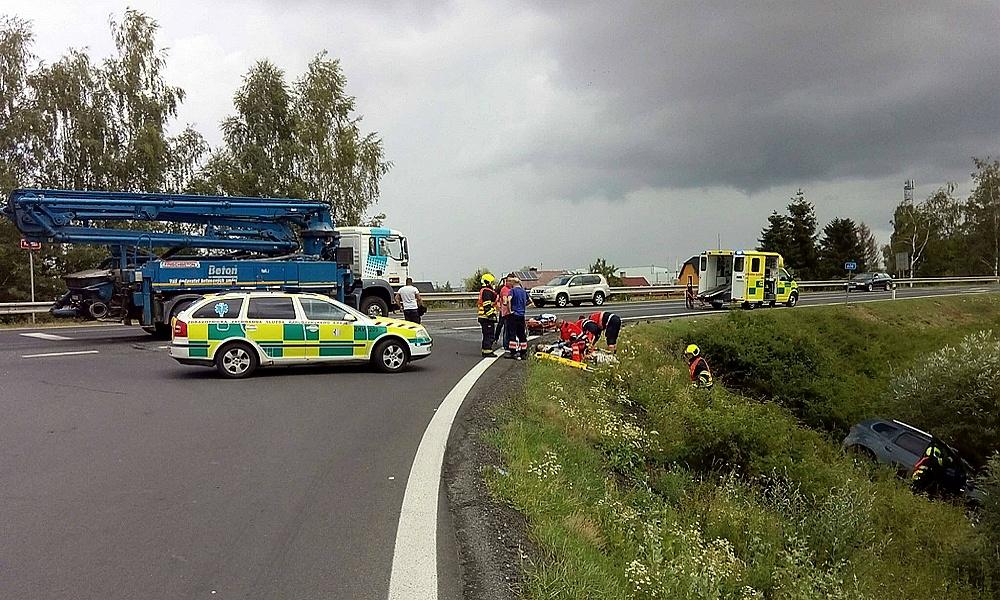 Dopravní nehoda v Hradišti ochrormila provoz