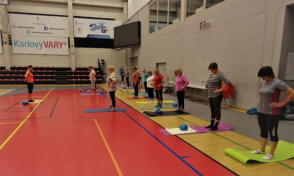 Rehabilitační cvičení pro seniory v KV Areně