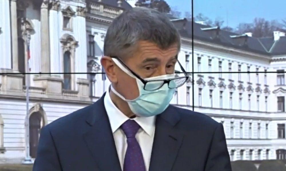 Koronavirus nám představil skutečného Andreje Babiše. Prchal žehlí, ale zahladit škody napáchané premiérem nejde