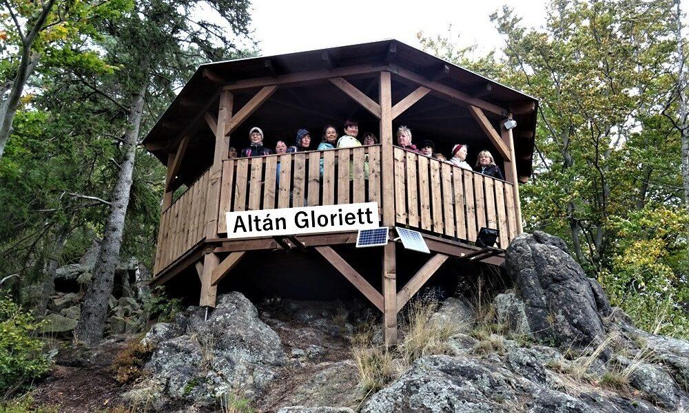 Turistika k altánu Gloriett